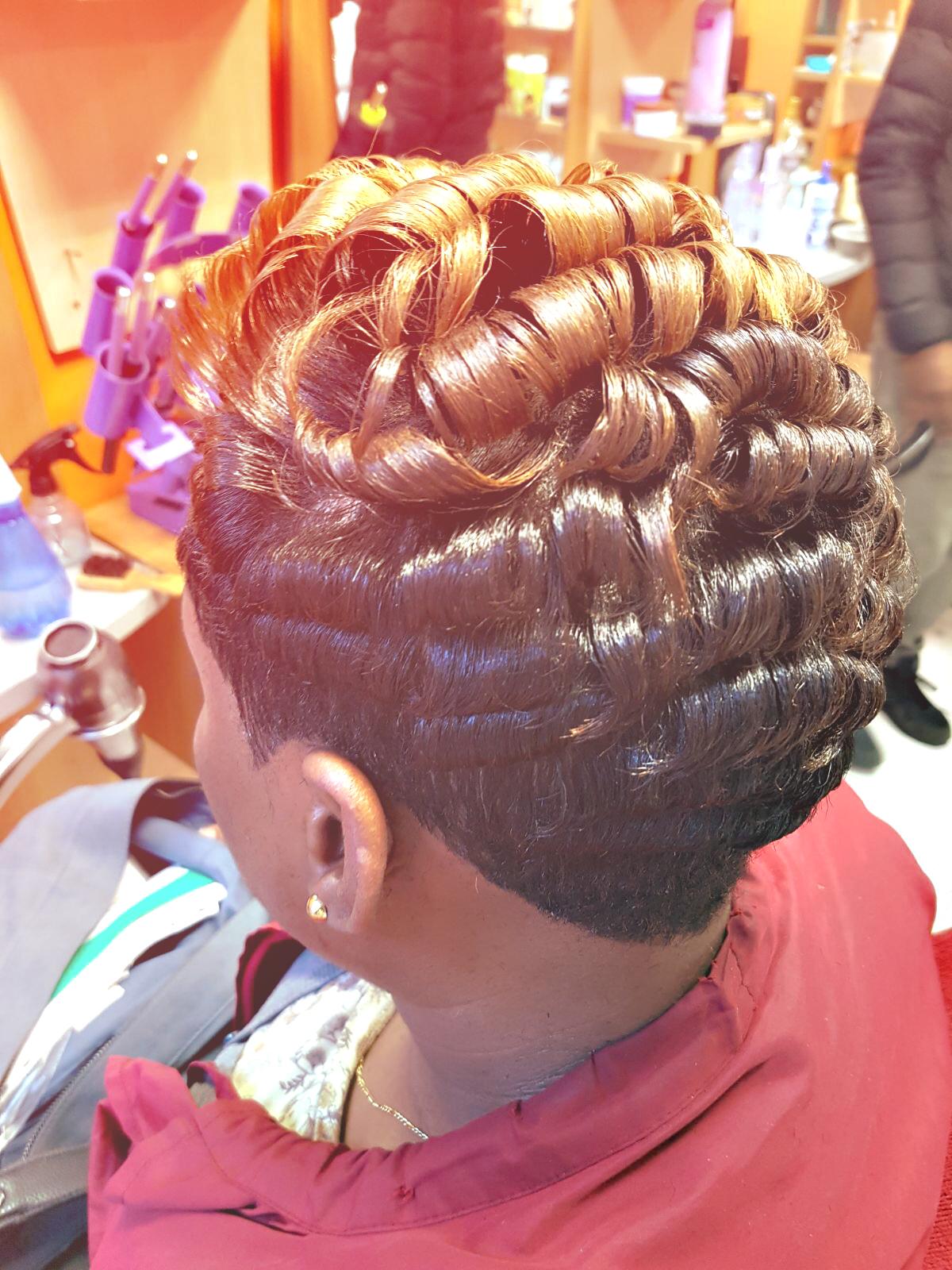 Coupe de cheveux pour femmes Г kiev